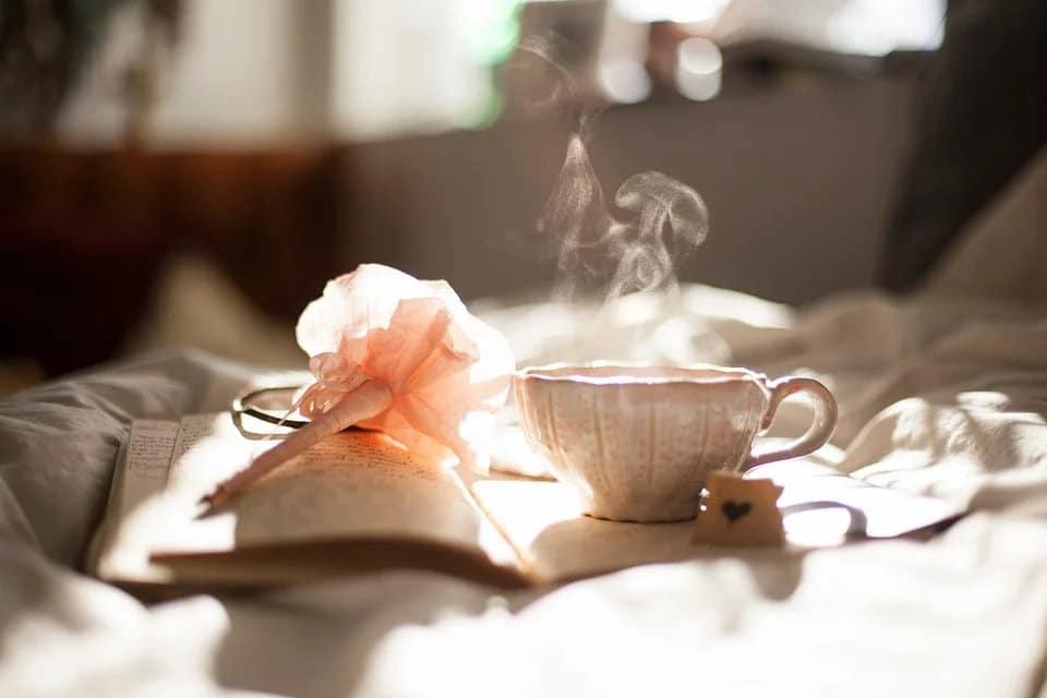 Comment enlever une tache de thé sur un meuble ?